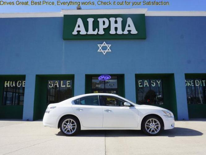 2014 White Nissan Maxima (1N4AA5AP4EC) with an 3.5L 6 Cyl engine, Automatic transmission, located at 6904 Johnston St., Lafayette, LA, 70503, (337) 988-1960, 30.143589, -92.100601 - Photo #0
