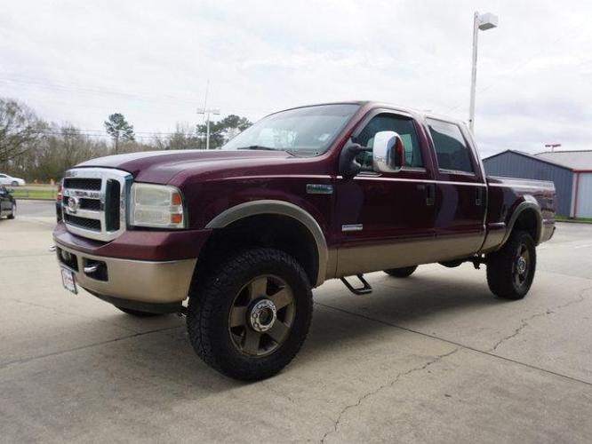 2006 Red Ford F-250 (1FTSW21P36E) with an 6.0L 8 Cyl engine, 6 Spd Hd Manual transmission, located at 6904 Johnston St., Lafayette, LA, 70503, (337) 988-1960, 30.143589, -92.100601 - Photo #3
