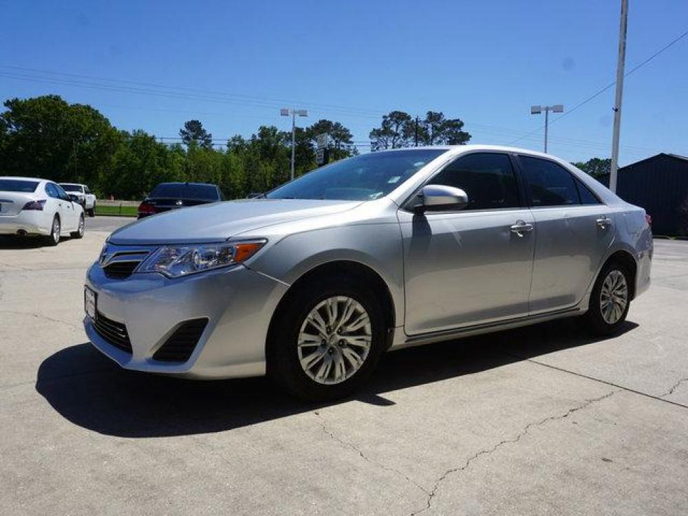 2013 Silver Toyota Camry (4T4BF1FK9DR) with an 2.5L 4Cyl engine, Automatic transmission, located at 6904 Johnston St., Lafayette, LA, 70503, (337) 988-1960, 30.143589, -92.100601 - Photo #3
